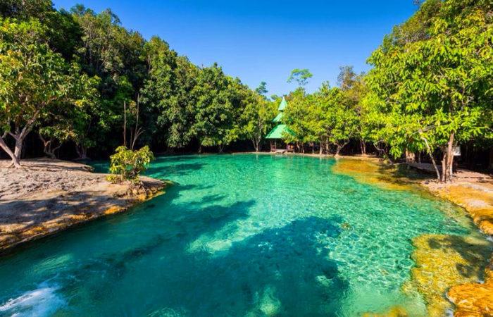emerald-pool สระมรกต