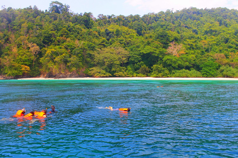 เกาะฮอร์สชู (Horse Shoe Island)